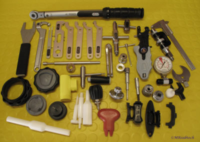 Montaje con herramientas específicas